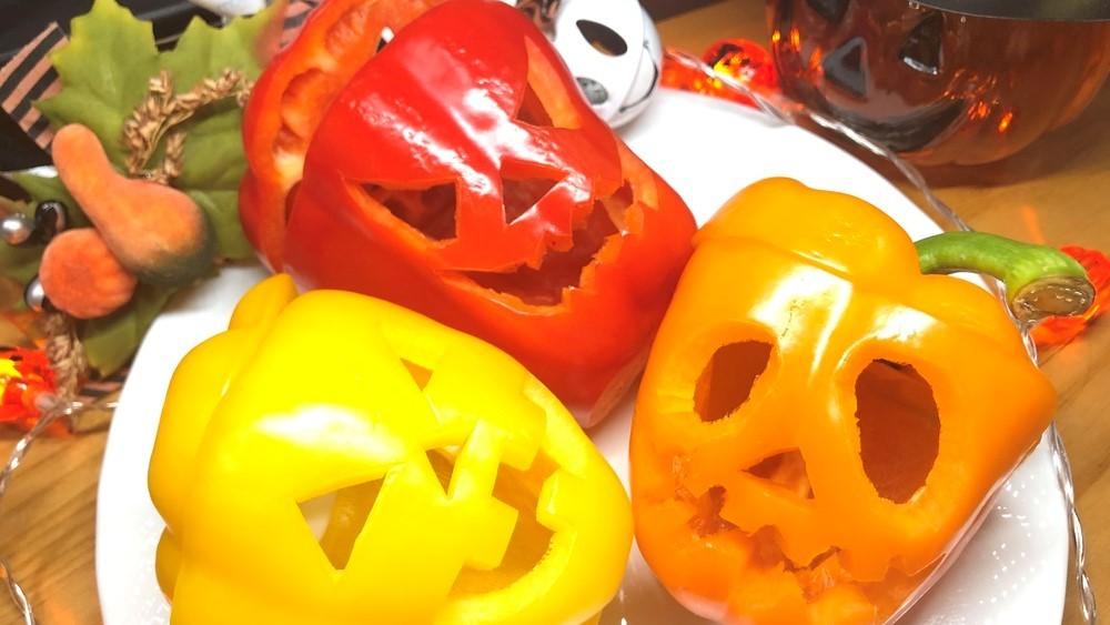 いろんな野菜・果物でジャックオーランタン(カボチャおばけ)作りに挑戦!