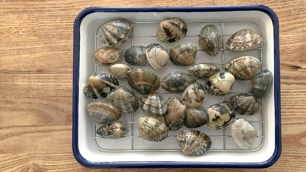 アサリを入れるタイミングと貝柱が外れやすくなる方法を検証!
