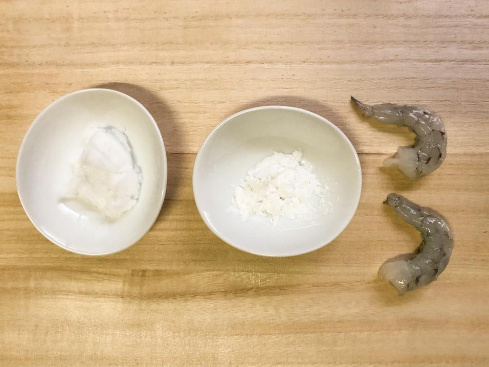エビの下処理方法を比較!臭み取りには酒・片栗粉・塩どれが効果的?